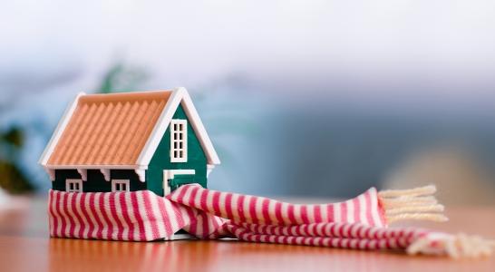 huis met sjaal – winter (Shutterstock 8336125)_klein