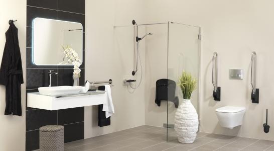 rolstoelvriendelijke badkamer